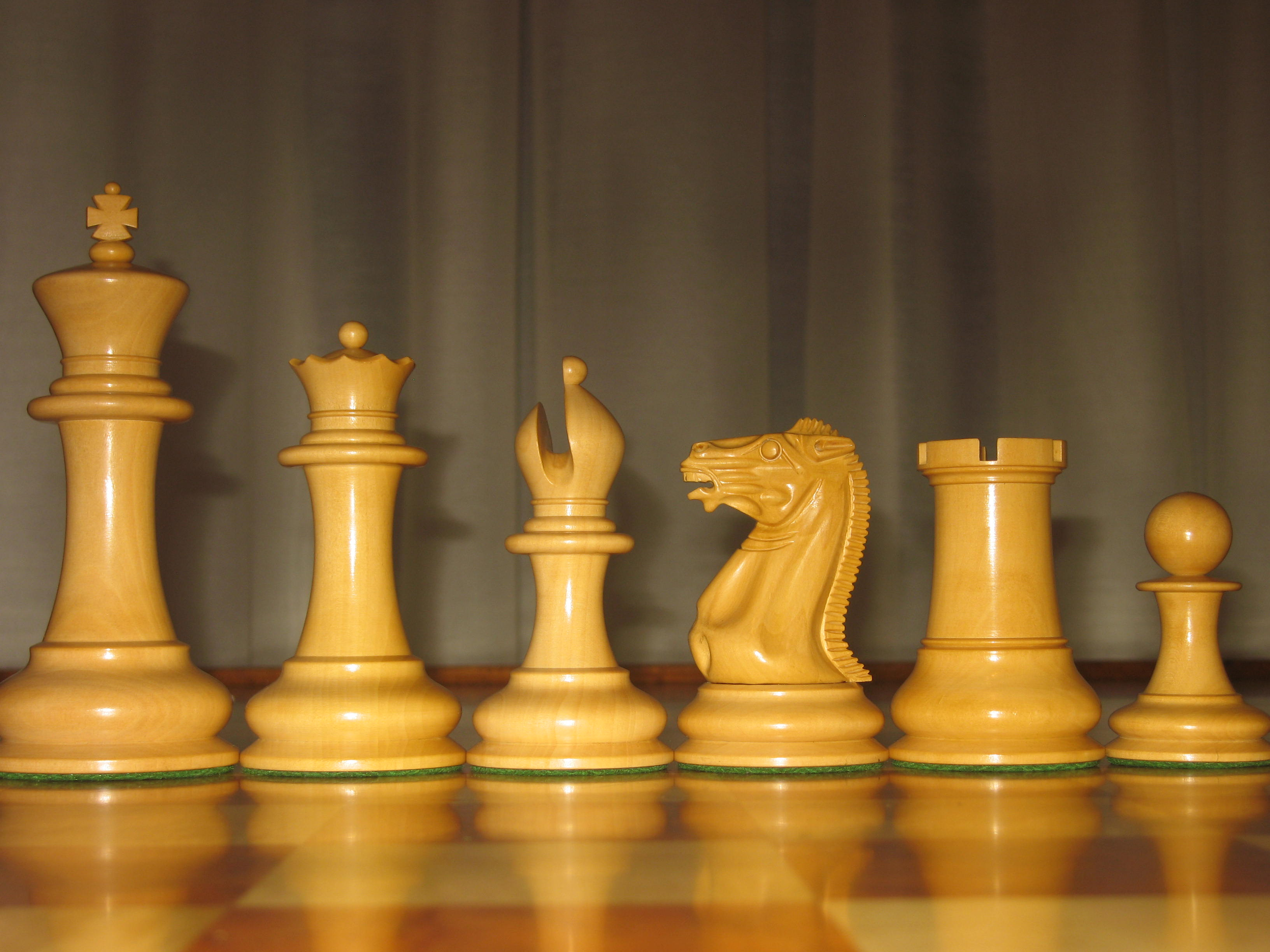 1851 reproduction staunton chessmen by the official - The chessmen chess set ...