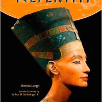 Nefertiti_is_back