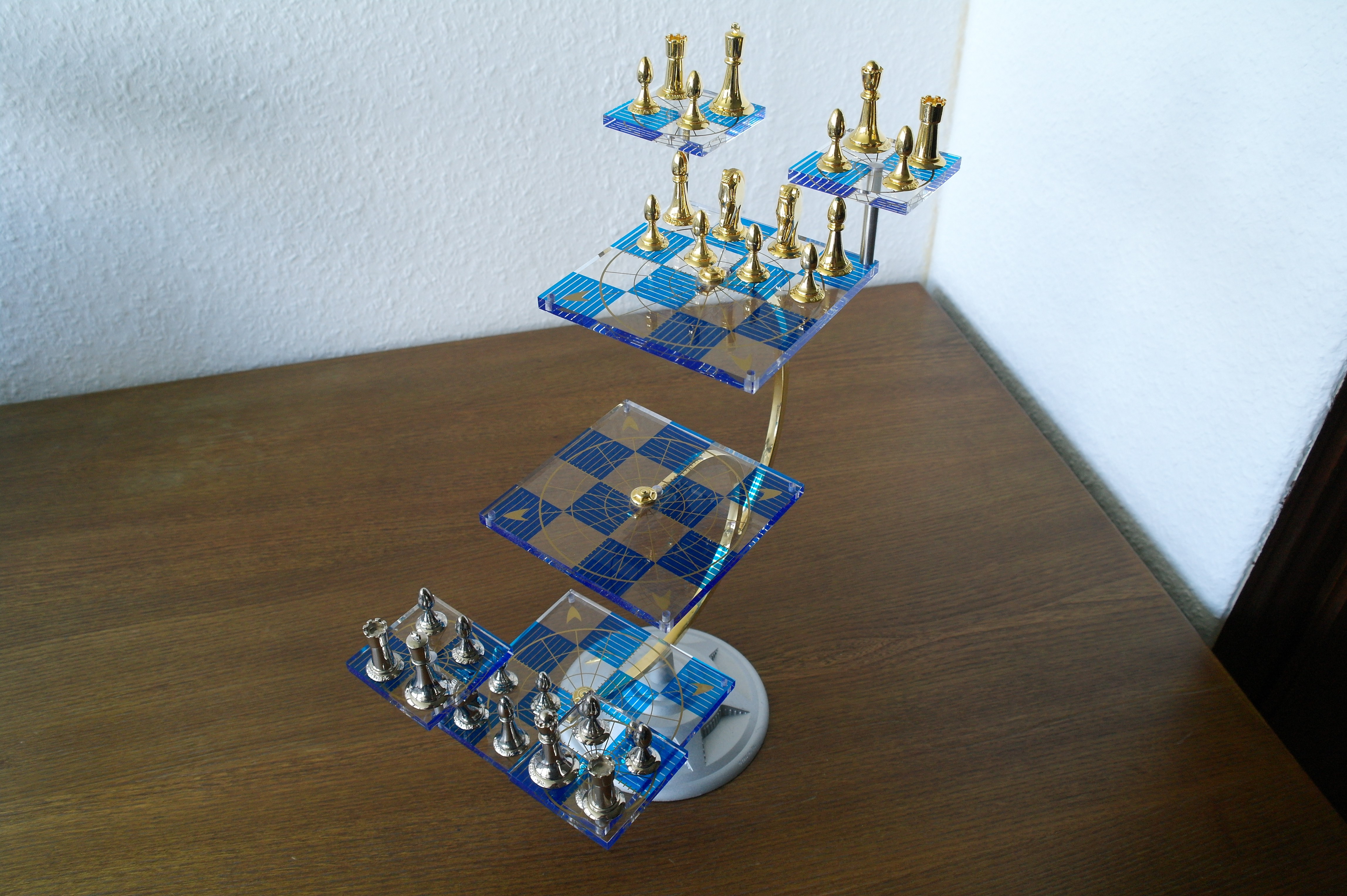 Post your chess sets - Tri dimensional chess board ...