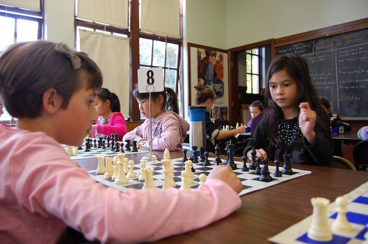 Girls-playing-in-the-tournament.JPG