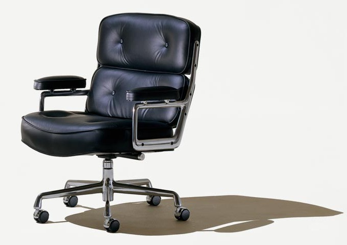 eames_executive_Chair.jpg