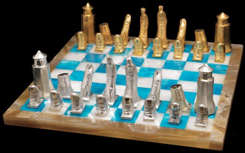 http://graphics8.nytimes.com/images/2010/10/06/blogs/ChessSet4/ChessSet4-popup.jpg