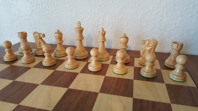 Ultimate Chess pieces in (Real) ebony & Boxwood     - Chess