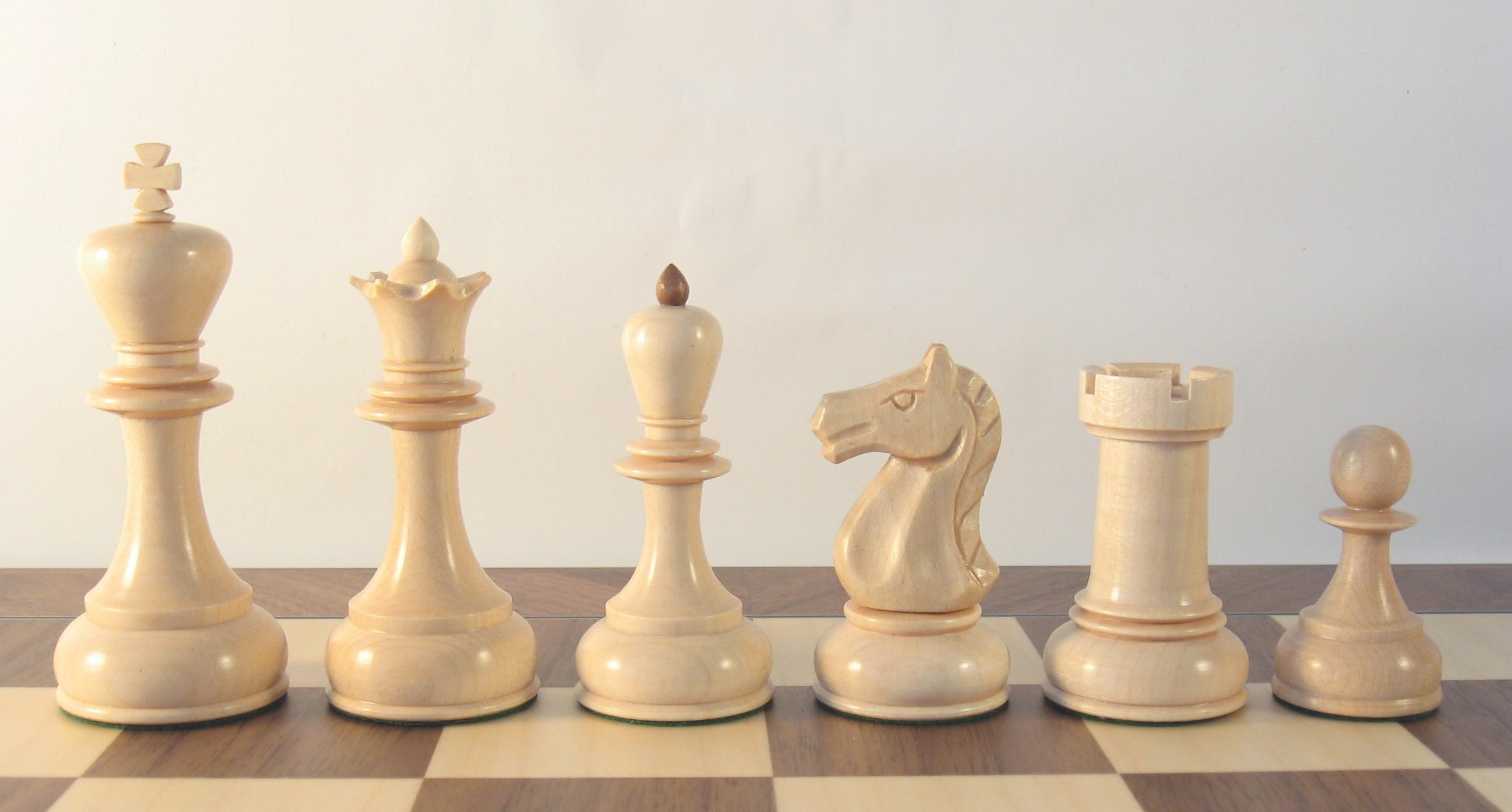 фото шахматной ладьи без доски нее