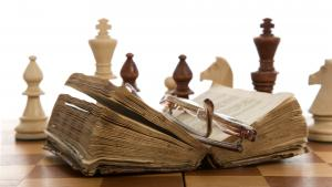 Chess Books And Youth vs Old Age's miniatury