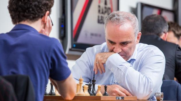 Porque Estava Kasparov a Pensar Profundamente?