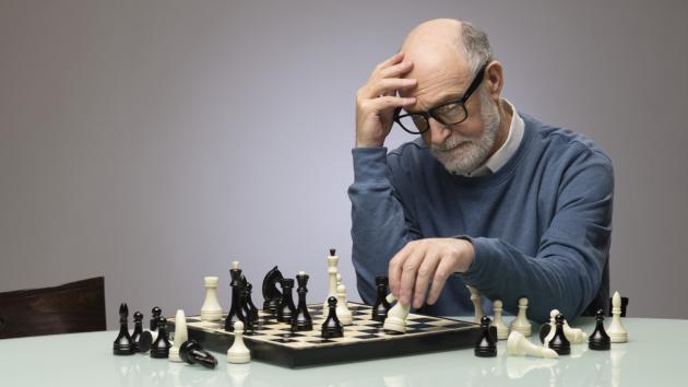 ¿Cómo pueden mejorar los ajedrecistas más mayores?