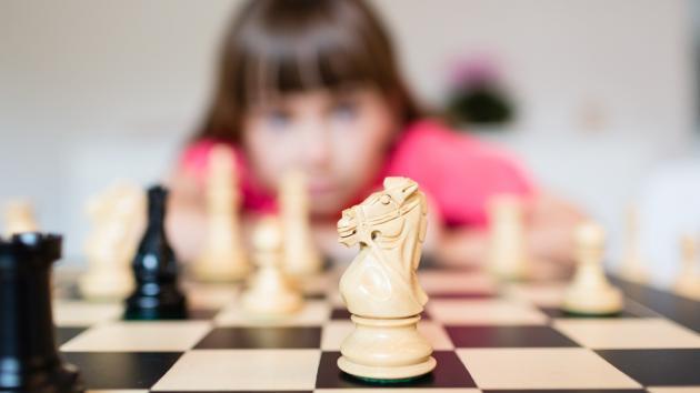 Cometer errores afortunados en una partida de ajedrez