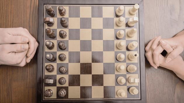 Як гуляць у шахматы | Правілы + 7 першых крокаў
