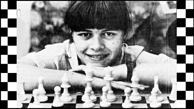 Liz Loves Chess