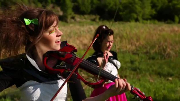 Starships - Lindsey Stirling and Megan Nicole [Nicki Minaj Cover] (LINDSEY STIRLING)