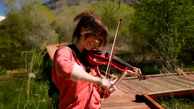 Epic Violin Girl (LINDSEY STIRLING)