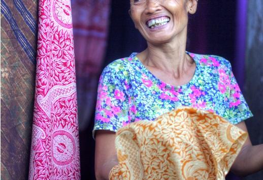 smiling balinese women