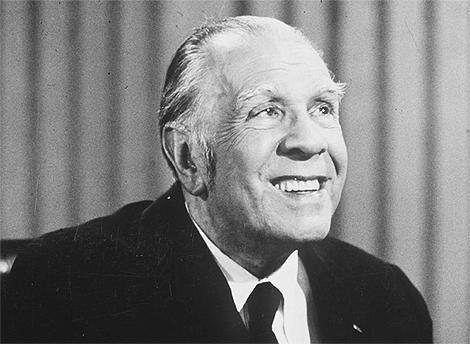 """""""AJEDREZ"""" - poema de Jorge Luis Borges"""