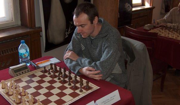 Tiger Genov plays Blitz