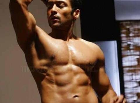 tamil actor surya six packs