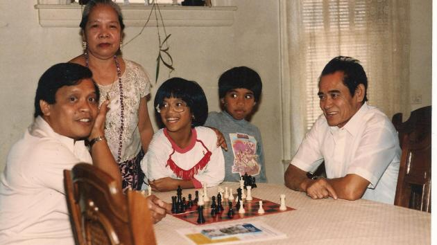 Who taught you how to play chess? Please share your opinion.