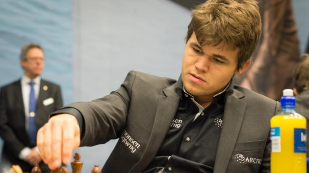 How Carlsen Moves a Chess Piece