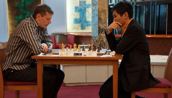Wesley So (2740.2) is leading after the first leg with 3.5/5 in Capablanca Memorial 2014
