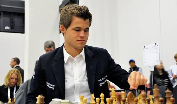 Amazing! Carlsen's Easy Winning Strategy