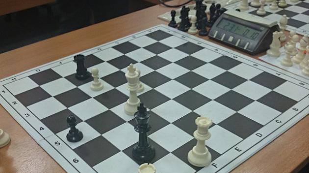 Первая победа над гроссмейстером. Да-да-да! :)