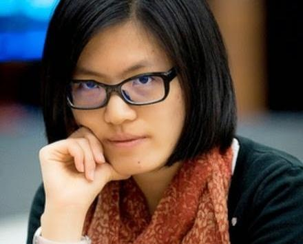 Hou Yifan missed a win against Caruana