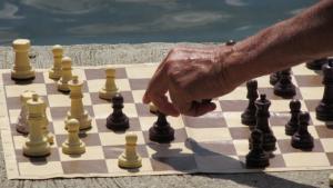 Hungarian Brigitta Sinka, 87, clinches world chess record's Thumbnail
