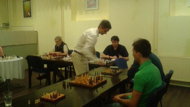 12 seats booked, 8 seats are available in the simul with International Master Attila Turzo