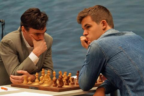 Loek van Wely vs Magnus Carlsen (2015)