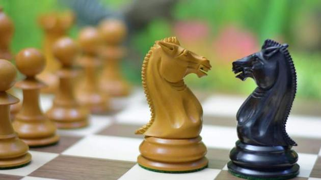 Top 5 reasons to buy a Wooden Chess Set over Plastic Chess Set