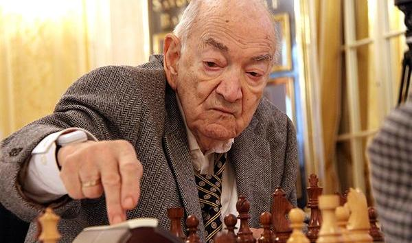 Tributes to Viktor Korchnoi from Russian press
