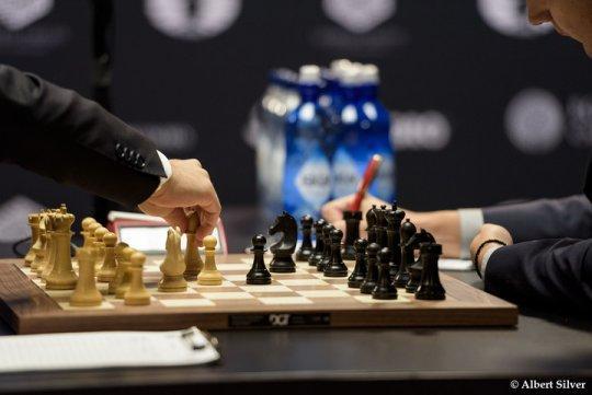 Review: Modern Repertoire against the Italian Game by Boris Avrukh  (Modern-Chess.com)