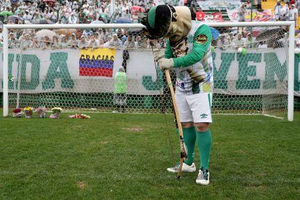 The Indian Condá, mascot of Chapecoense, in the Arena.