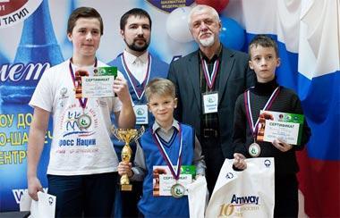 Володар Мурзин победил в турнире по шахматам