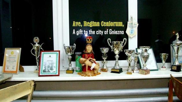 The maker made handmade Pieta tournament