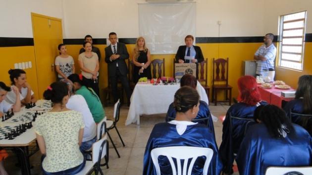 Campeonato interno de xadrez está sendo realizado em presídio feminino de Corumbá