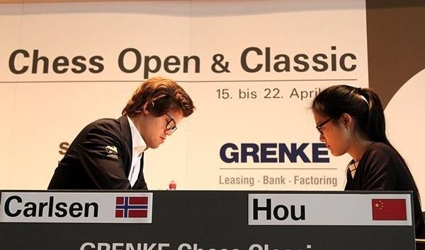 Hou Yifan líder isolada do Grenke Chess Classic!