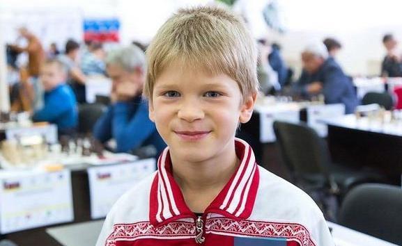 Володар Мурзин стал мастером ФИДЕ