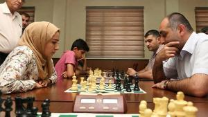Chess moves help Iraqi refugees's Thumbnail