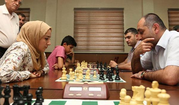 Chess moves help Iraqi refugees
