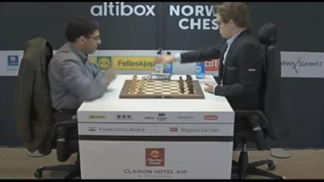 AMAZING BISHOP AND MONSTER PASSED PAWN!!! CARLSEN VS ANAND - BLITZ CHESS ALTIBOX NORWAY CHESS 2017