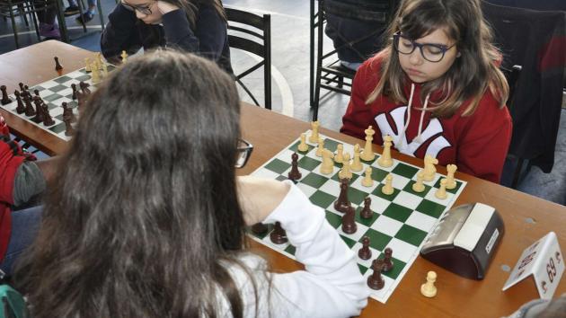 Meninas de Bauru mudam tendência do xadrez na cidade