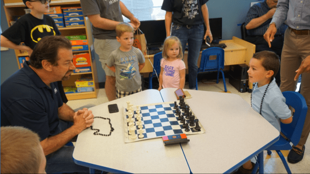 McKinney mayor faces 4-year-old in friendly chess match