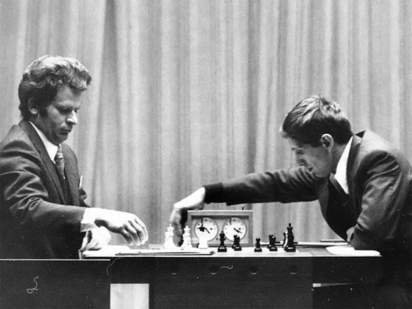 """El camino de Bobby Fischer hasta el """"match del siglo"""" con Boris Spassky (1972)"""