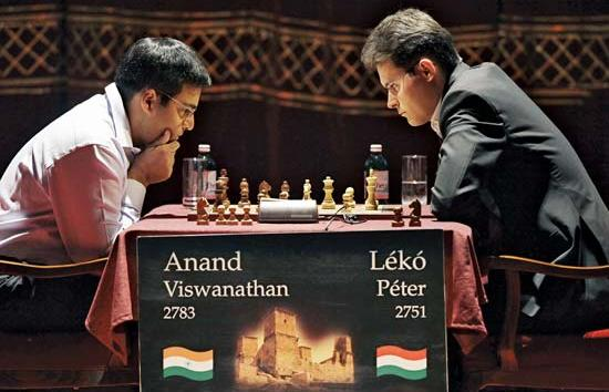 Anand sacrifice three pieces for Queen