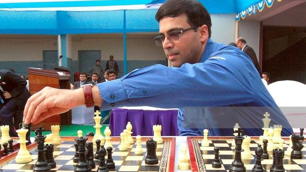 Anand spends 1:43 mins on 4th Move in Blitz and Wins!
