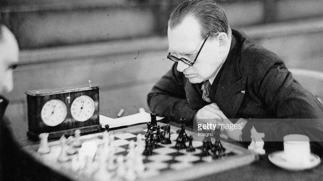 Alekhine on The Moller Defence.