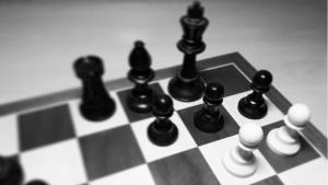 Partidas mías 4. Ganando con el patrón g6+h6. Una de mis mejores partidas.