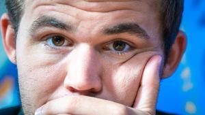 Carlsen best player over 2018, Ding rising star