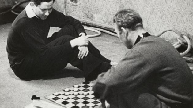 Keres Attacks with the Hanging Pawns (Keres vs Taimanov, Moscow 1951)